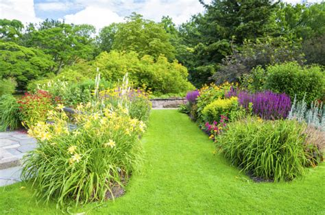 perennial garden ideas 47 gorgeous perennial garden ideas home stratosphere