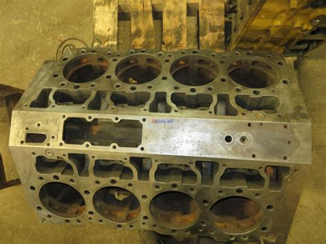 engine fits caterpillar cat  engine block good