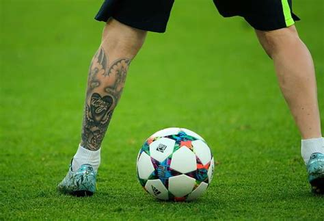messi tattoo bayern lionel messi s tattoos what do they signify