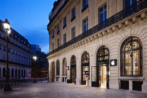 apple store paris apple stores in france banned from forcing employees to