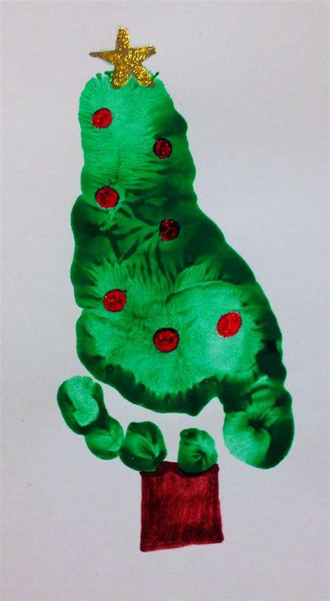 Pinterest Crafts Christmas - 画像 パパママ必見 手形 足形のクリスマスアートが可愛いすぎる naver まとめ