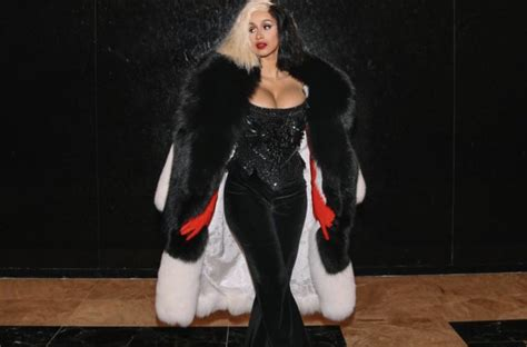 Dress Cardi Channel cardi b dresses up as the disney villain we all to