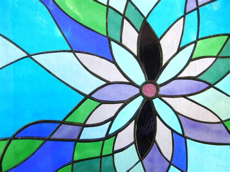 flower design in glass shattered by light unique stained glass designs by roz
