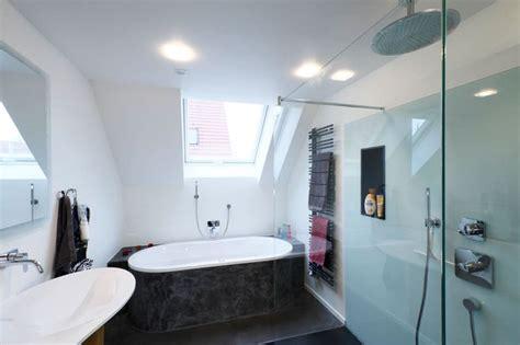 Badezimmer Mit Schräge by Badezimmer Dach Badezimmer Modern Dach Badezimmer Dach