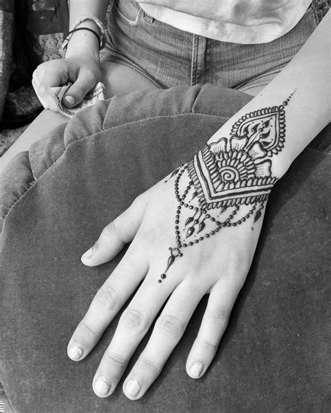 henna tattoo vorlage 522 best all things mehndi images on