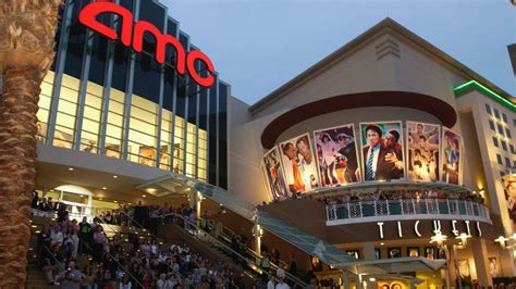 amc theatres will not allow texting you spoke we listened amc entertainment backtracks on texting in theaters for