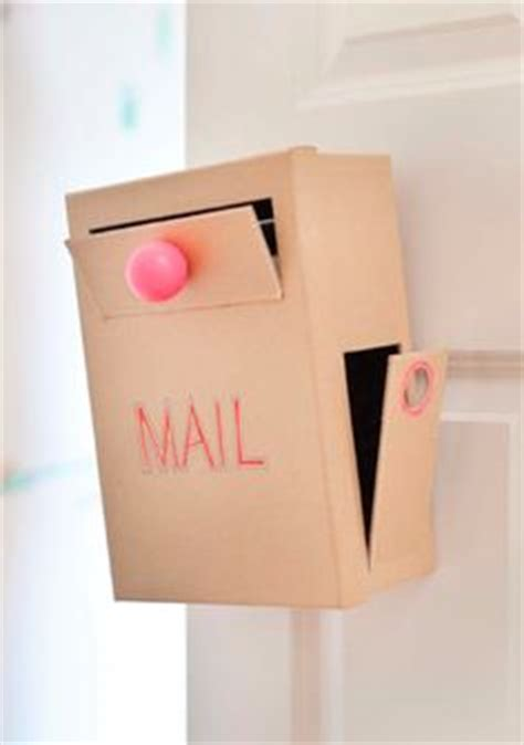 How To Make A Box With Chart Paper - 1000 images about craft mail box on mail