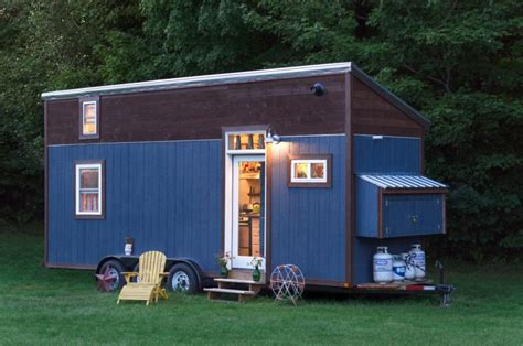 little house on wheels 40 best tiny houses on wheels designs and images