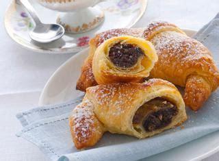 croissant fatti in casa ricette croissant le ricette di giallozafferano