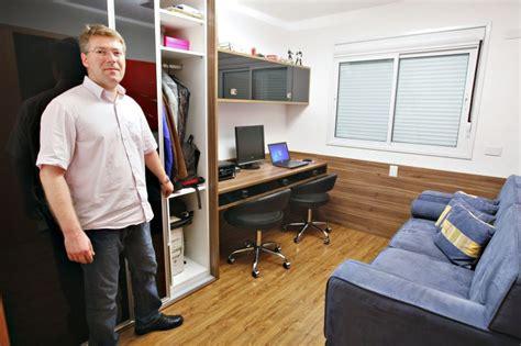 bureau des 駘钁es home office e quarto de h 243 spedes em um mesmo ambiente haus