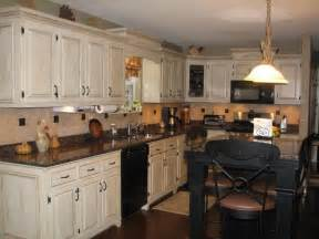 Kitchen Designs With Black Appliances Shabby Chic Kitchen Idea With White Kitchen Cabinets And