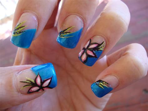 Flower Nail by Obsessed Pretty Pretty Flower Nails