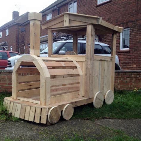 Kids Train Bed Pallet Wood Train Engine Playhouse
