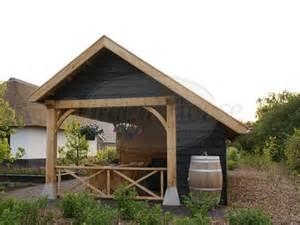 houten tuinhuis met een overkapping referentie garden