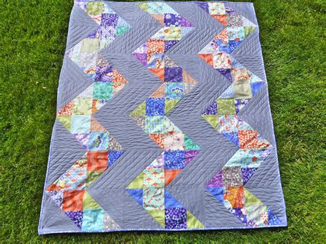 Patchwork Quilt Story - quilt story patchwork chevron from knotted thread