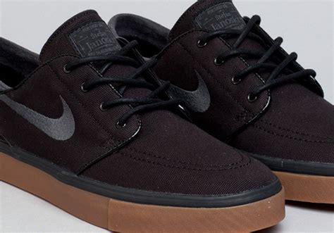 Sepatu Nike Stefan Janosky Blackwhite Sole Gum nike sb stefan janoski black anthracite gum sneakernews