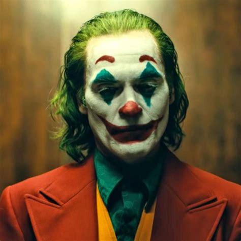 joker director  fans  hate     crown