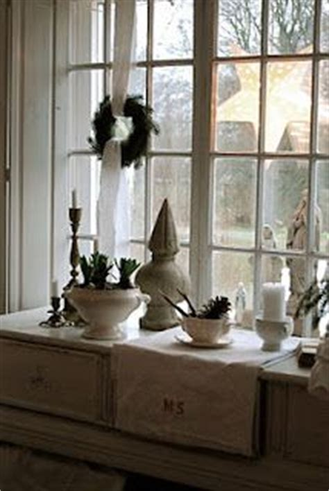 kitchen window sill decorating ideas 1000 images about kitchen window on window