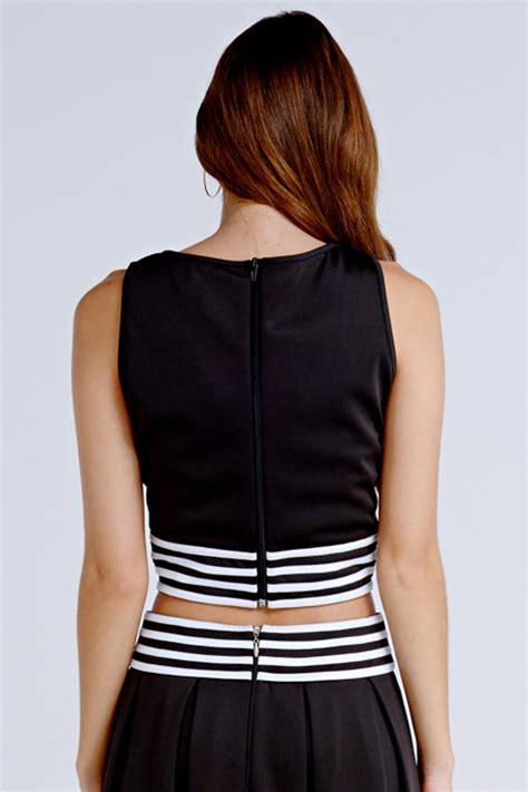 Striped Trim Cropped on black stripe trim cropped vest