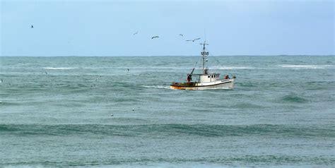 fishing boat cost fishing boat off the oregon coast 171 ashland daily photo