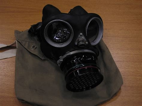 Papercraft Gas Mask - wwii crafts for