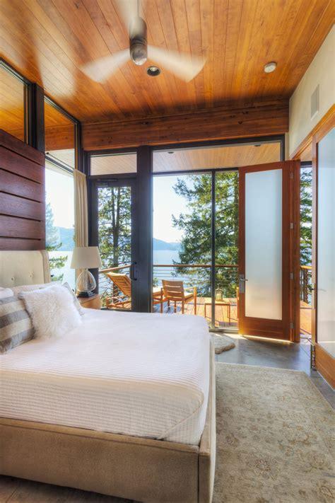 modern lakefront cabin in idaho usa bedroom balcony modern lakefront cabin in idaho usa