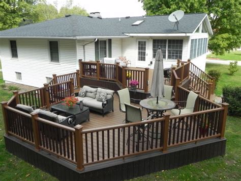 Deck Furniture Layout nine accessories to make your deck a hit