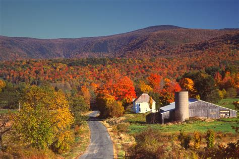 best scenic road trips in usa america s top 7 scenic fall road trips under 500 travel