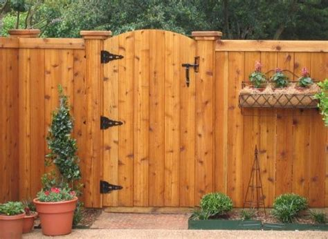 25 best ideas about wood fences on pinterest backyard fences fence ideas and fencing