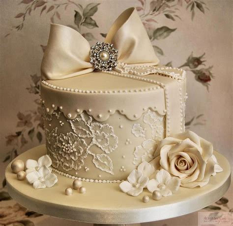 Wedding Cakes by Wedding Cakes Serynna