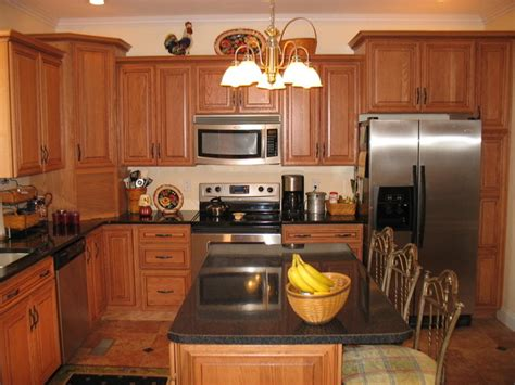 kitchen cabinets gallery of pictures kitchen gallery traditional kitchen cabinetry