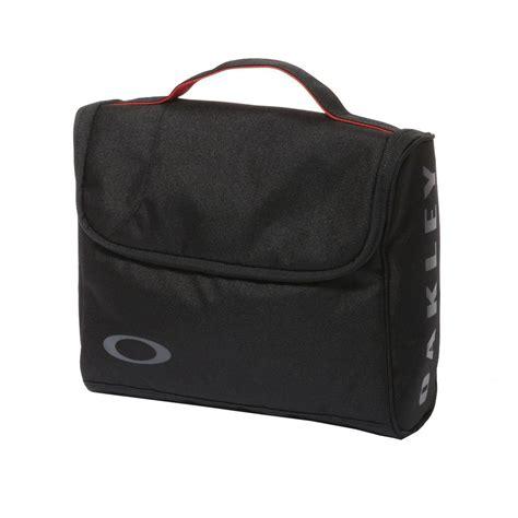 oakley toiletry bag for