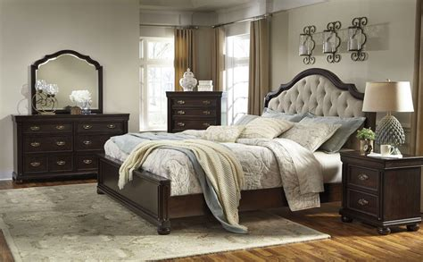 sleigh bed bedroom set moluxy dark brown upholstered sleigh bedroom set b596 54