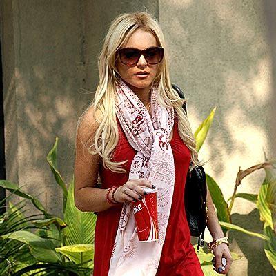 Lindsay Lohan Really Pashminas by Style Scarves And Pashminas Fashion