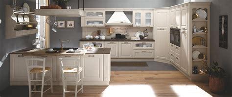 cucina pratica elegante e funzionale con dettagli raffinati