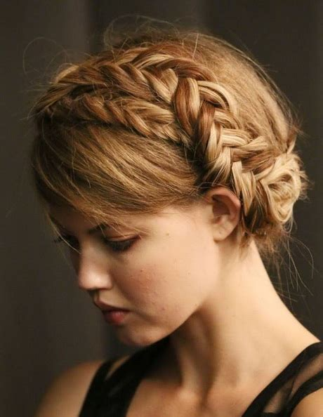 Different Braid Hairstyles by Different Braiding Styles