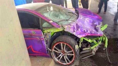 crashed red lamborghini omg i crashed into ksi lamborghini youtube