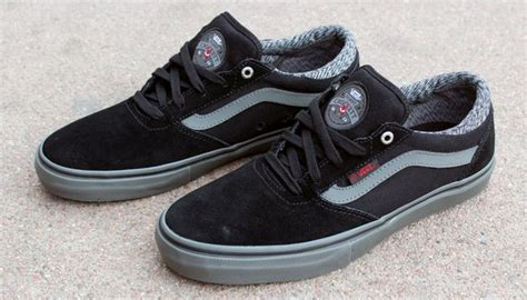 Sepatu Casual Vans Gilbert Crockett Black Black 26 best vans gilbert crockett images on gilbert o sullivan skate shoes and