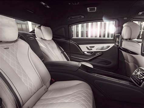 maybach guard mercedes armored maybach limo business insider