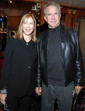 celebrity couples married long time long time married couple warren beattie and annette bening