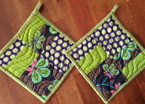 Handmade Pot Holders Patterns - handmade quilted pot holders set of 2 green pot holders