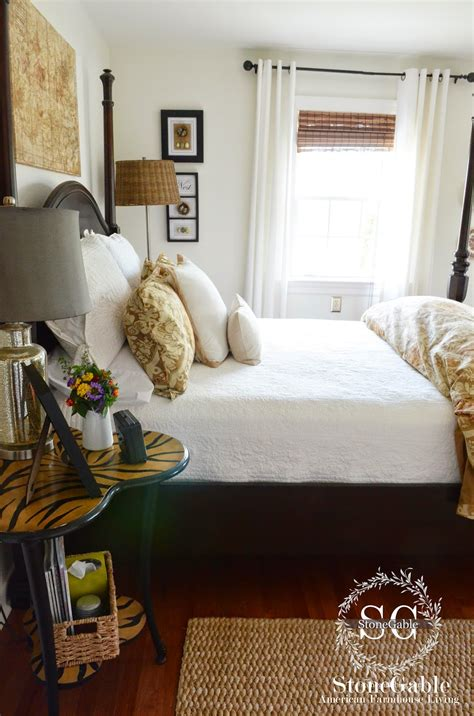 how to make a guest room cozy i opt for white sheets blankets and quilts i can wash and them and they look like new