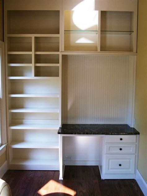 Closet Vanity Table by 25 Best Ideas About Closet Vanity On Makeup