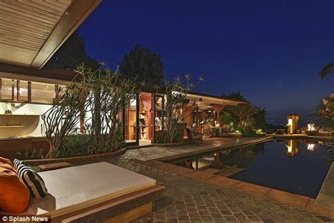 luxury mansions celebrity homes gwyneth paltrow chris gwyneth paltrow and chris martin buy luxury 14m malibu