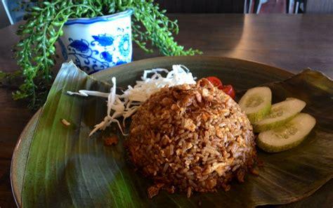 membuat nasi goreng rendang intip chef marco membuat nasi goreng rendang okezone
