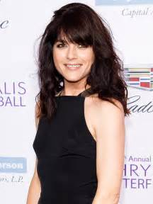 Country Style Kitchen Ideas Selma Blair Removed From Plane On Stretcher Following Mid