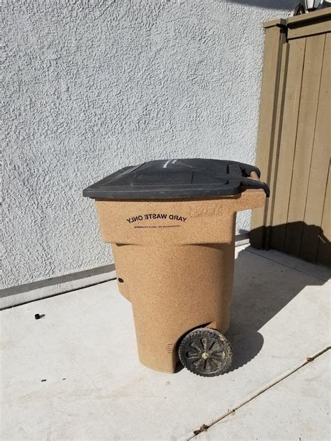 toter  gallon  wheel plastic trash  yard
