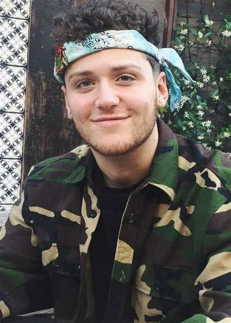 bazzi label bazzi singer height weight age body statistics