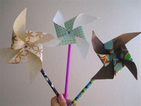 Make Paper Pinwheels - how to paper pinwheels