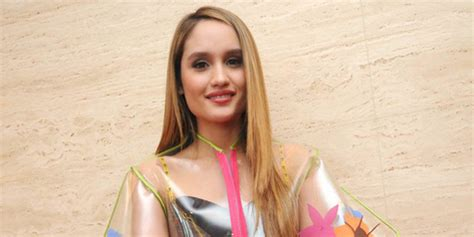 cinta laura main film di hollywood makin sibuk di la cinta laura bakal main di 2 film